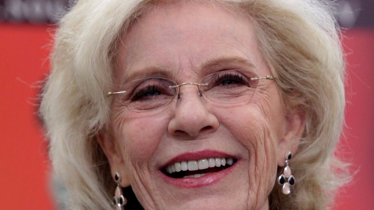 Actress Patty Duke dies at 69
