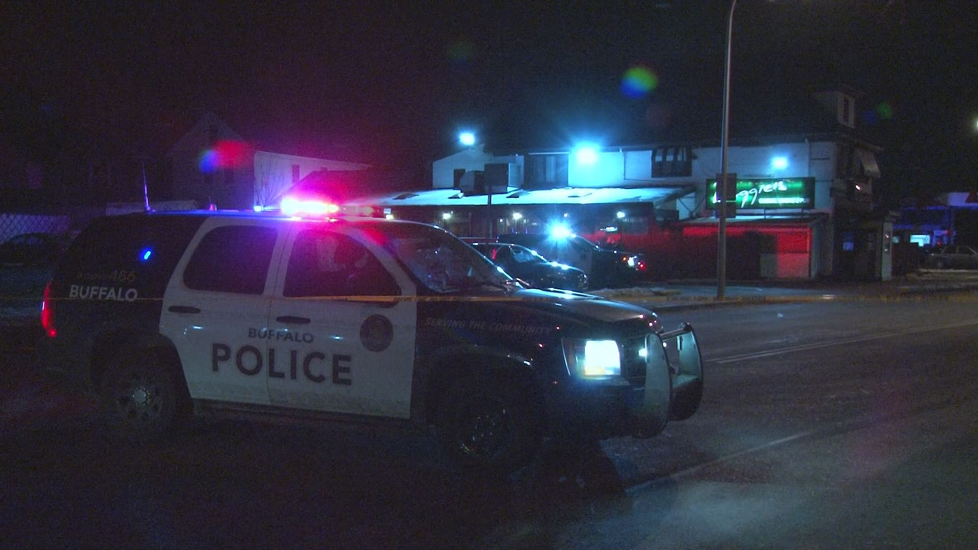 Black Rock Kitchen Buffalo Ny Man Shot Outside Of A Bar In Black Rock Wgrzcom